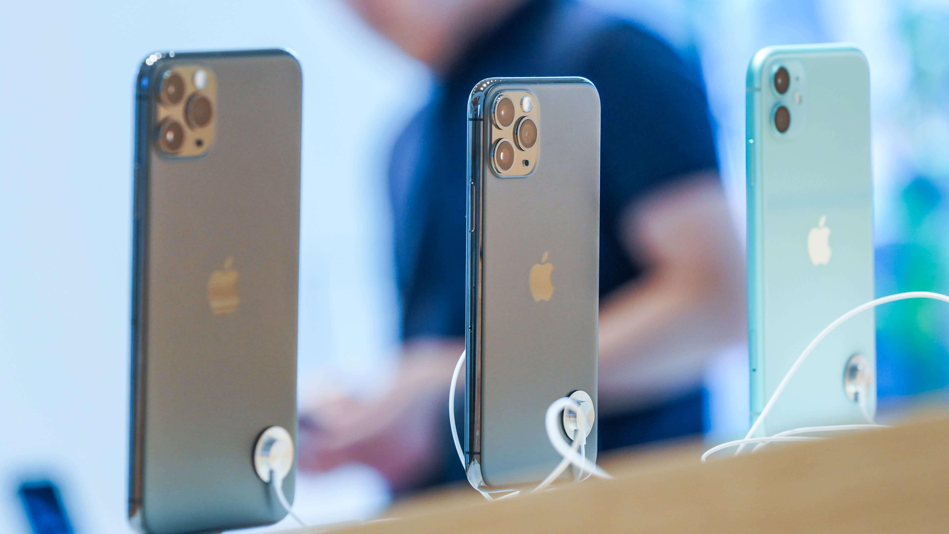 iPhone на iOS 14.2 могут разрядиться на 50% за 30 минут