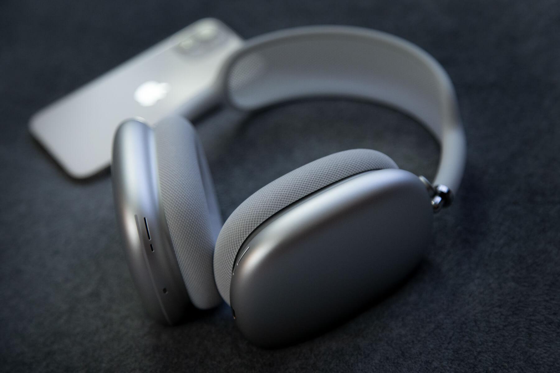 Apple разрабатывает пластиковую версию AirPods Max