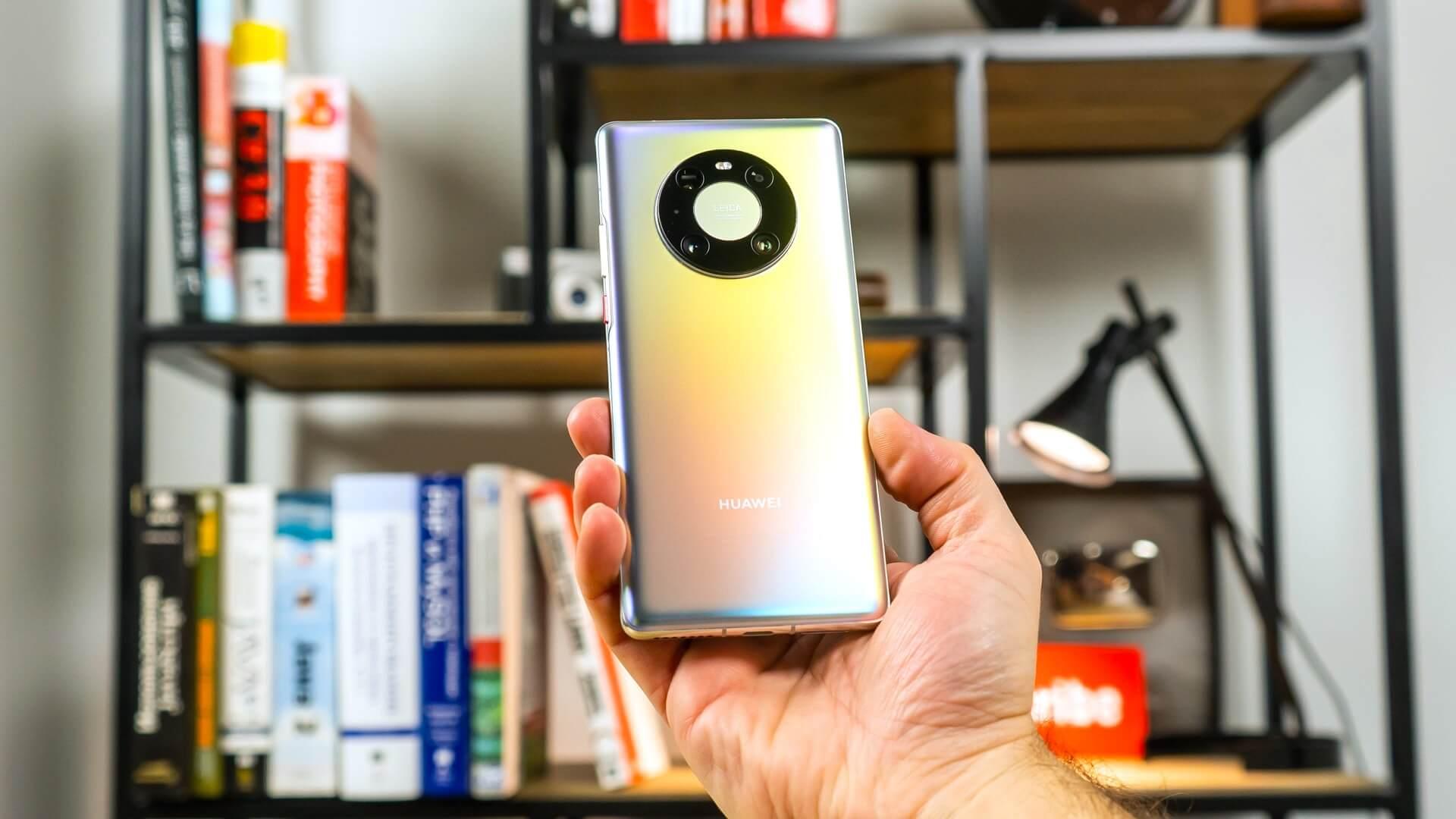 Reuters: Huawei продаёт мобильное подразделение. Компания это отрицает