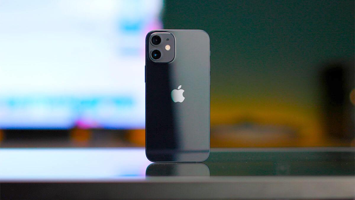 Производство iPhone 12 mini сократили на 70%