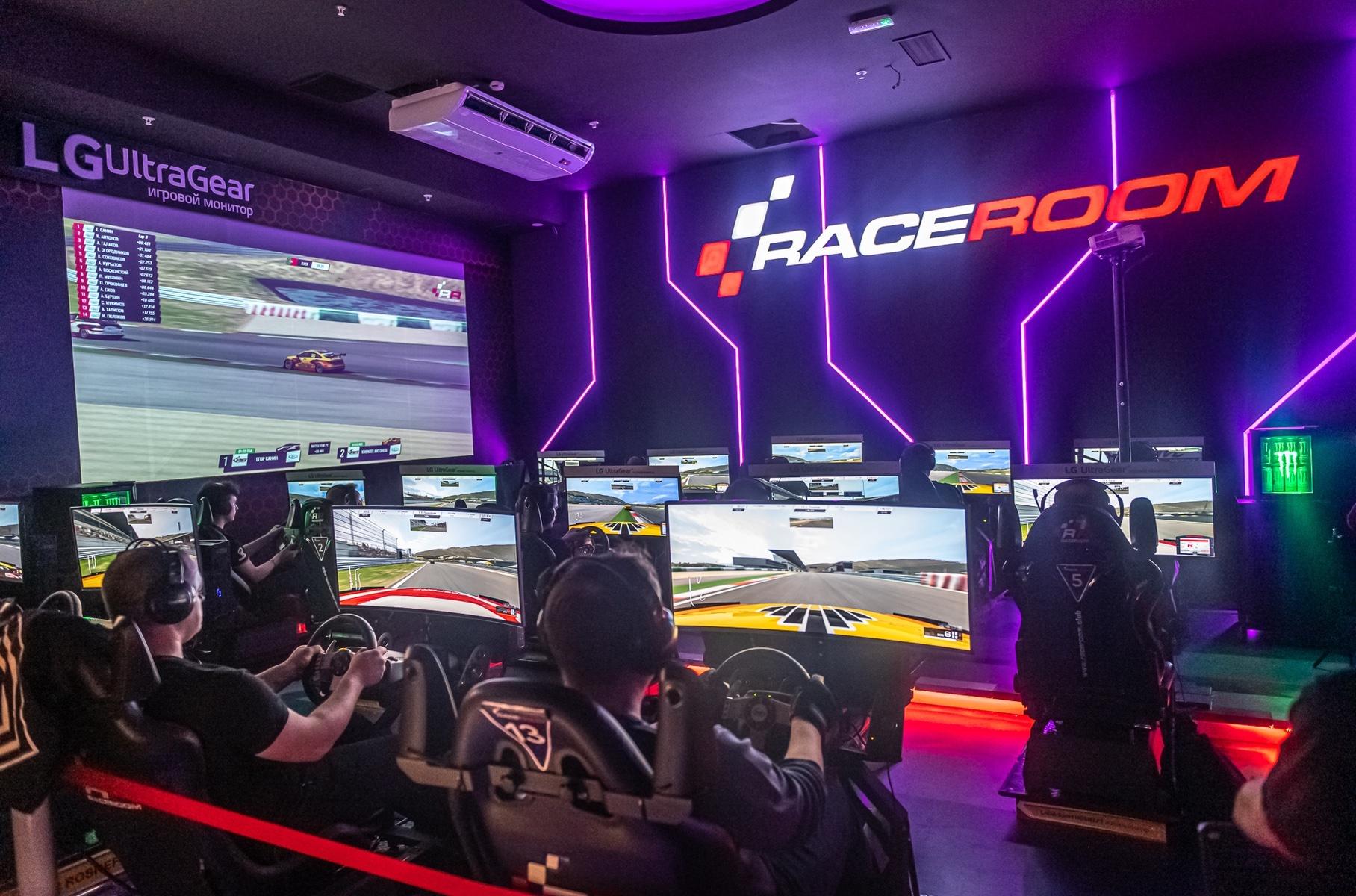 Определен победитель чемпионата виртуальных гонок на Lada Vesta