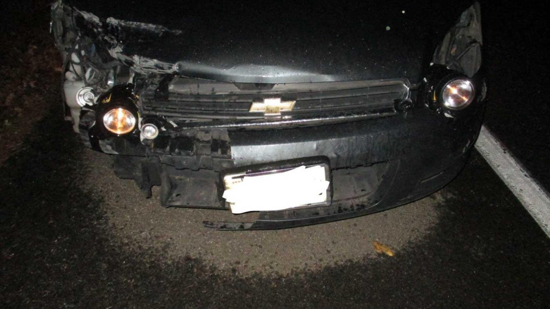 Полиция задержала водителя, который заменил фары фонариками