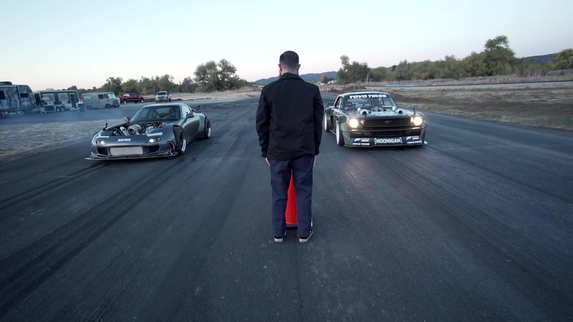 Дрэг-гонка: Ford Mustang Кена Блока против самой мощной в мире Mazda RX-7