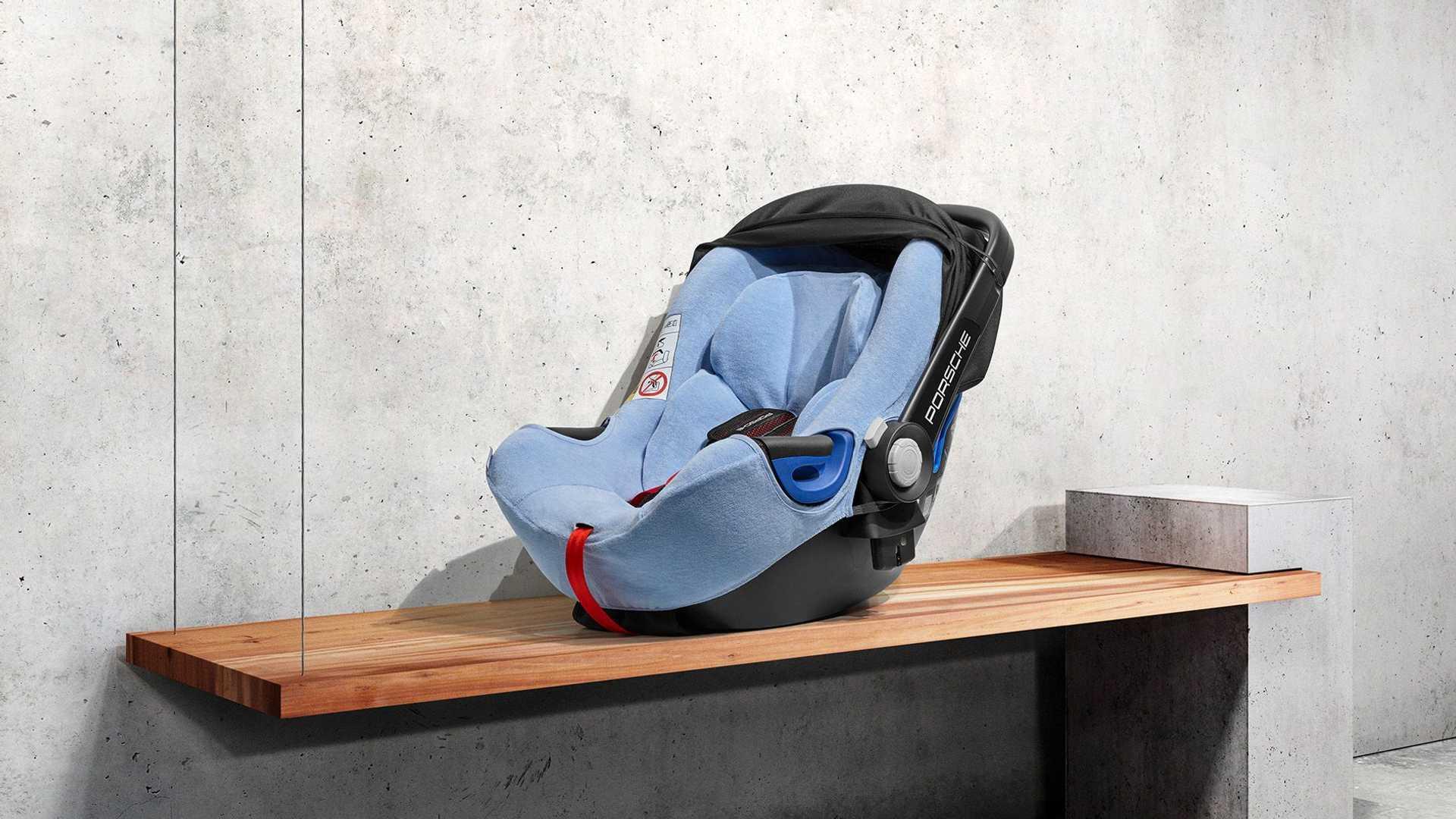 Porsche выпустила детские кресла нового поколения