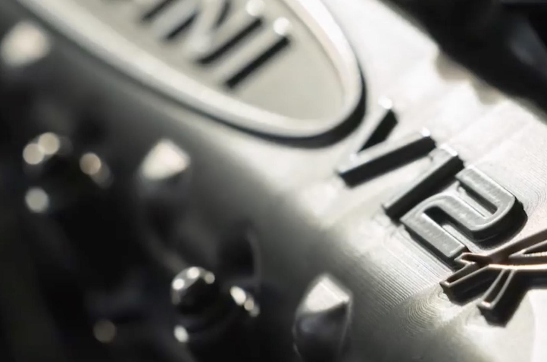 Pagani дала послушать звук двигателя экстремальной Huayra R
