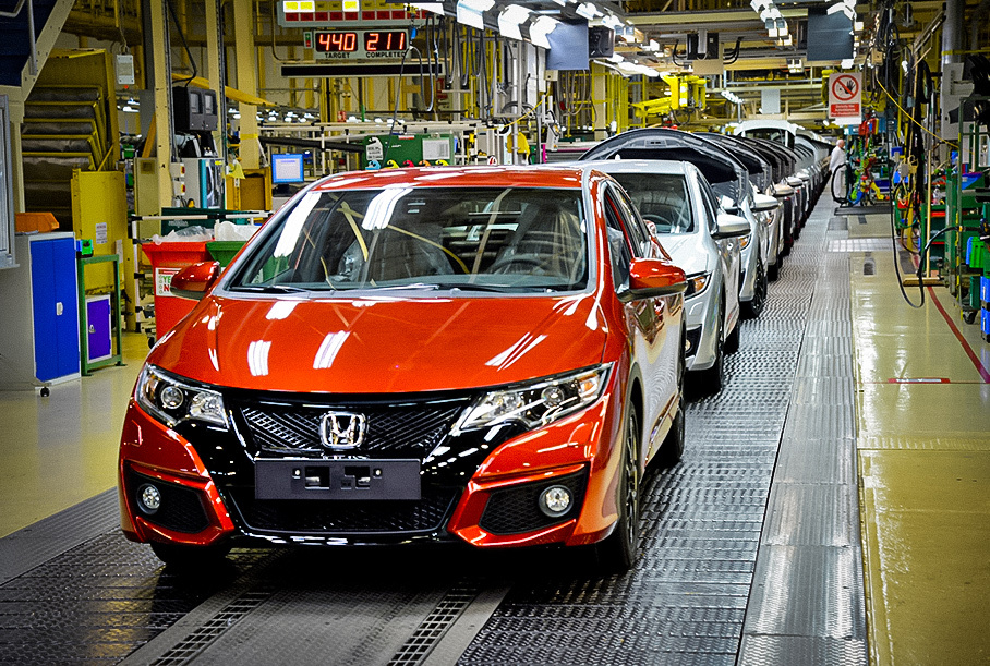 Toyota, Nissan и Ford сократили производство из-за нехватки полупроводников
