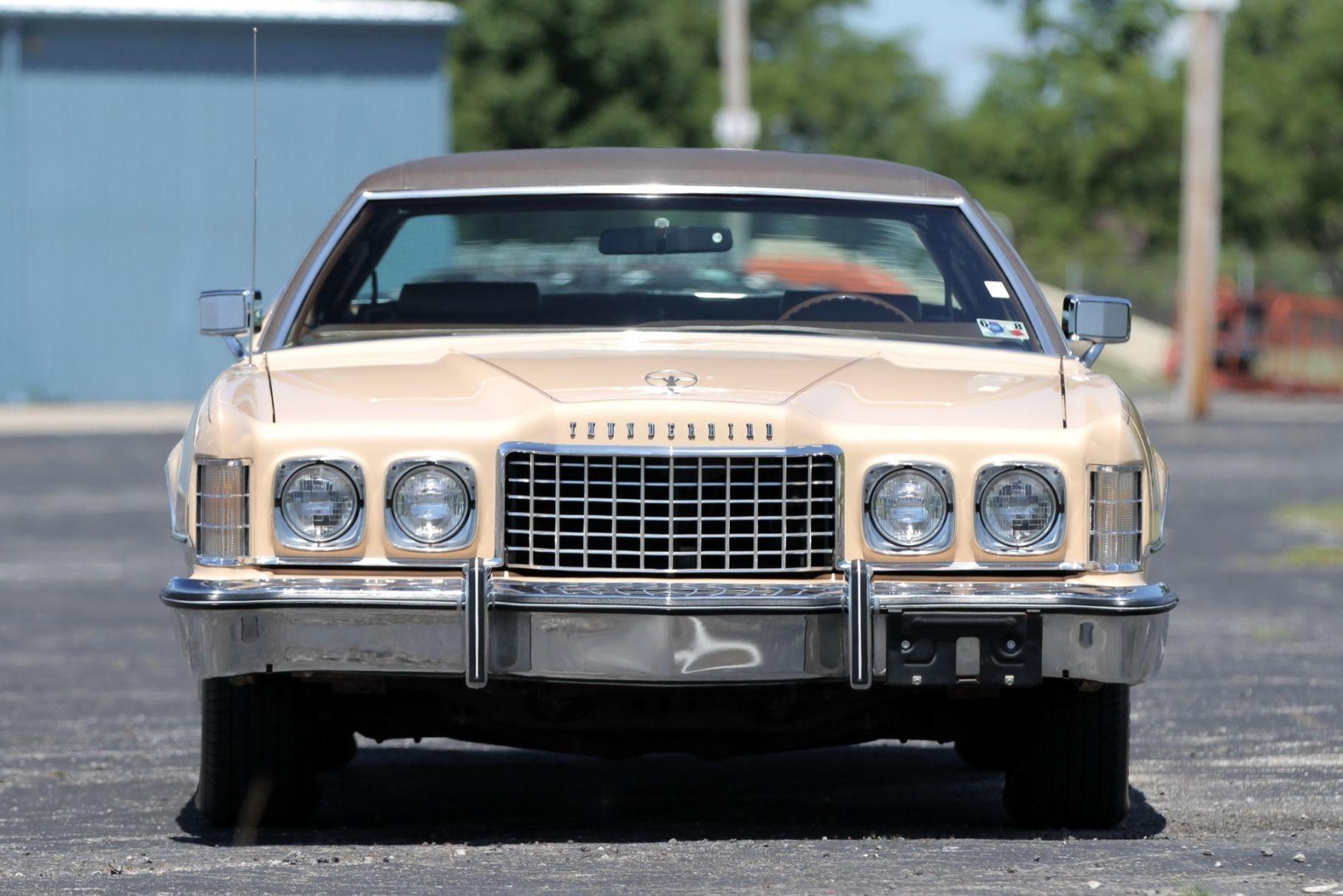 Ford хочет вернуть себе права на название Thunderbird