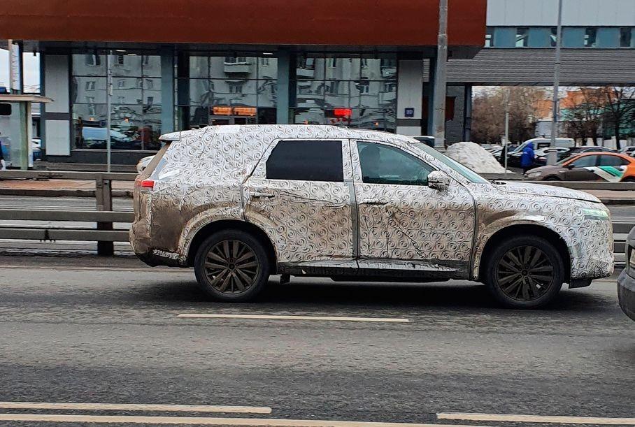 Новый Nissan Pathfinder сфотографировали в Москве
