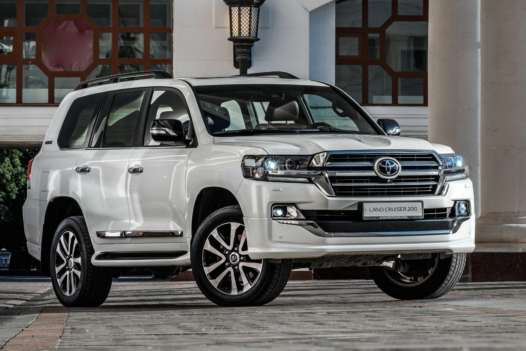 В России отзывают более 82,4 тысячи внедорожников Toyota Land Cruiser 200 и Lexus LX570