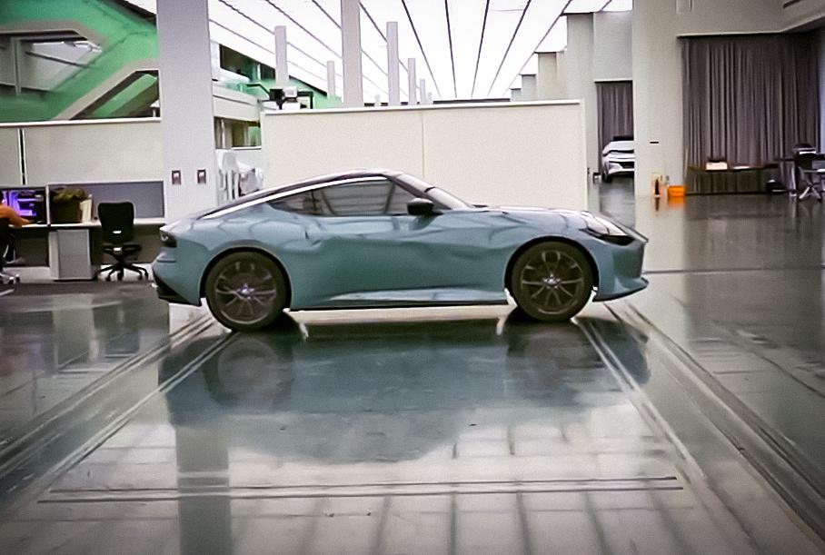 Nissan показал загадочный спорткар Z-серии