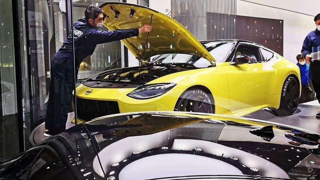 Серийный спорткар Nissan получит мотор от купе Infiniti