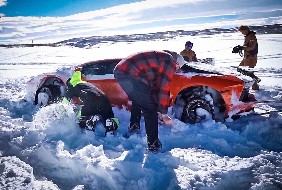 Видео: Lamborghini Aventador на гусеницах застрял во время первых тестов