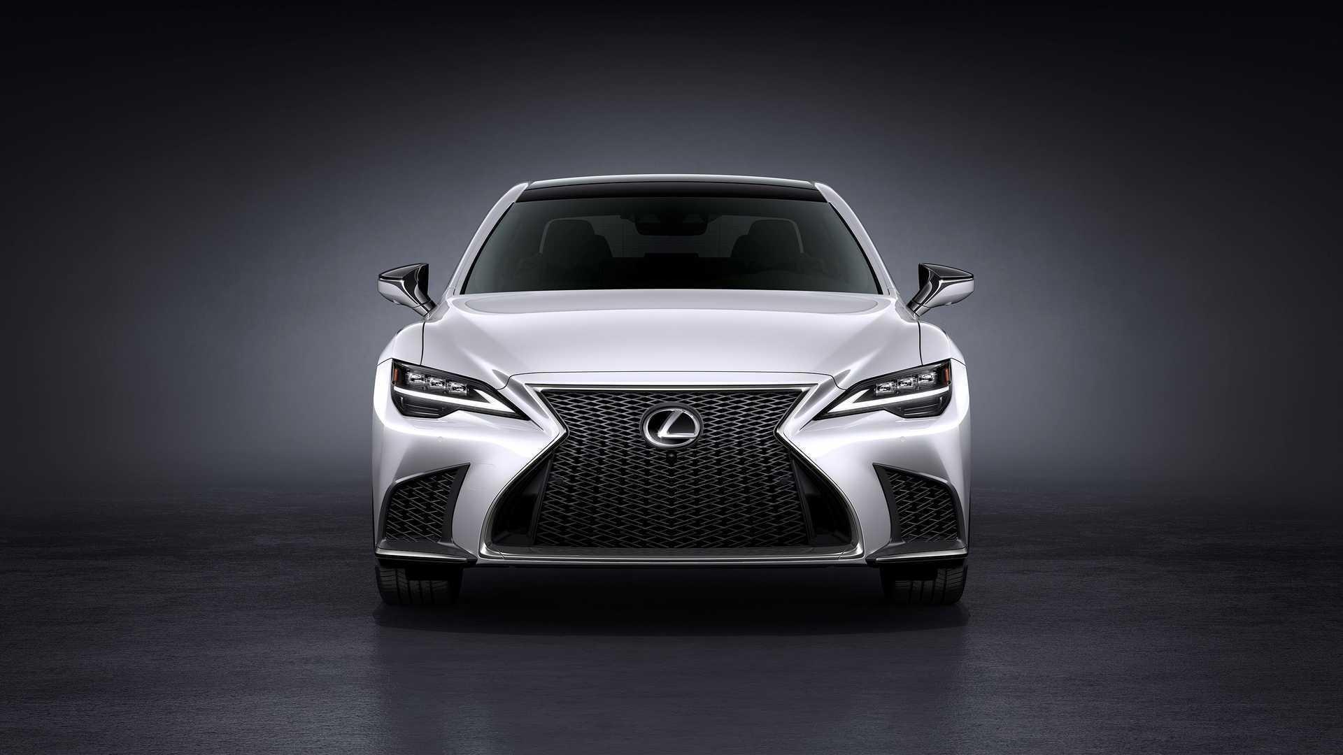 Lexus готовится показать сразу три «заряженных» модели