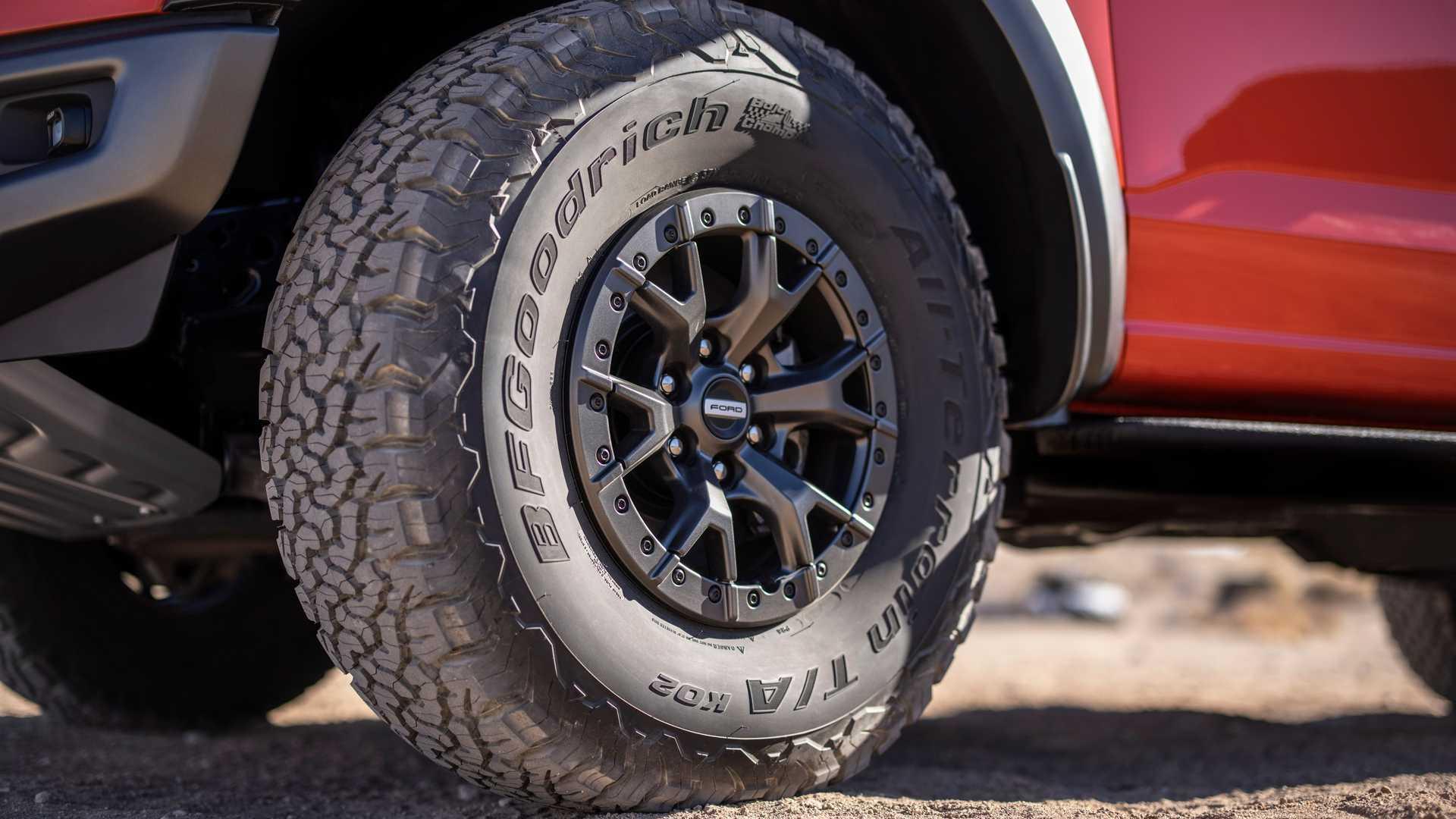 Ford вынужден был дорабатывать конвейер из-за шин нового F-150
