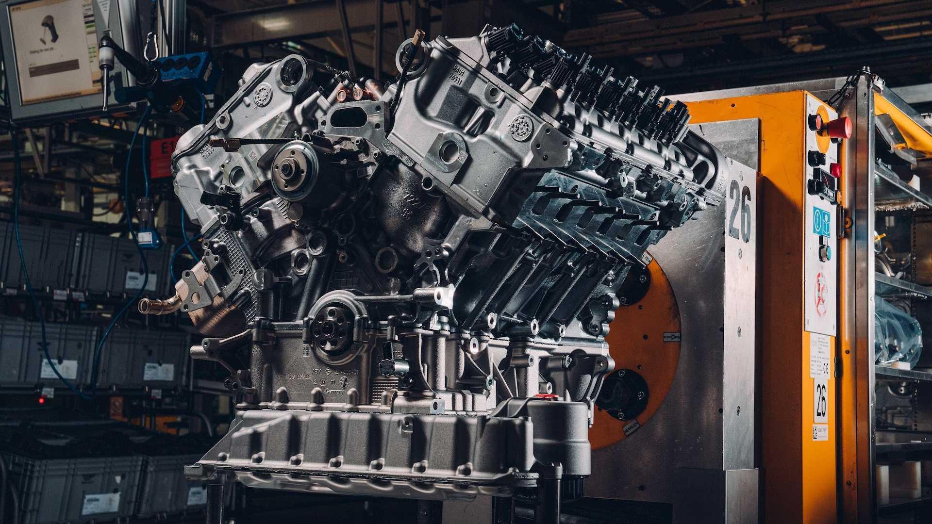 Bentley собрала первый мотор для эксклюзивного родстера