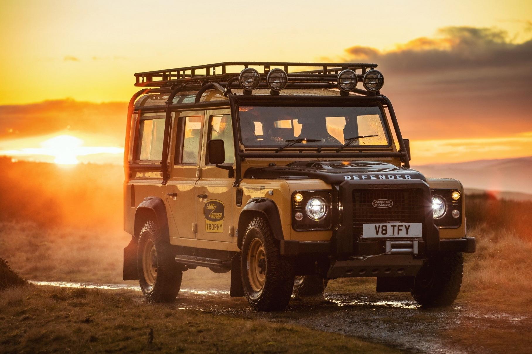 Спецверсию классического Land Rover Defender раскупили за три дня