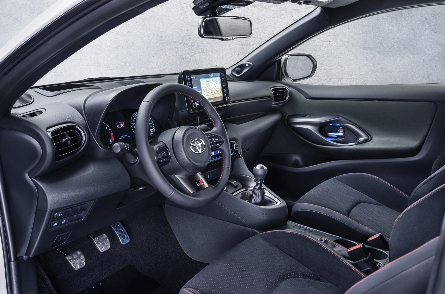 Toyota Yaris: автомобиль года в Европе