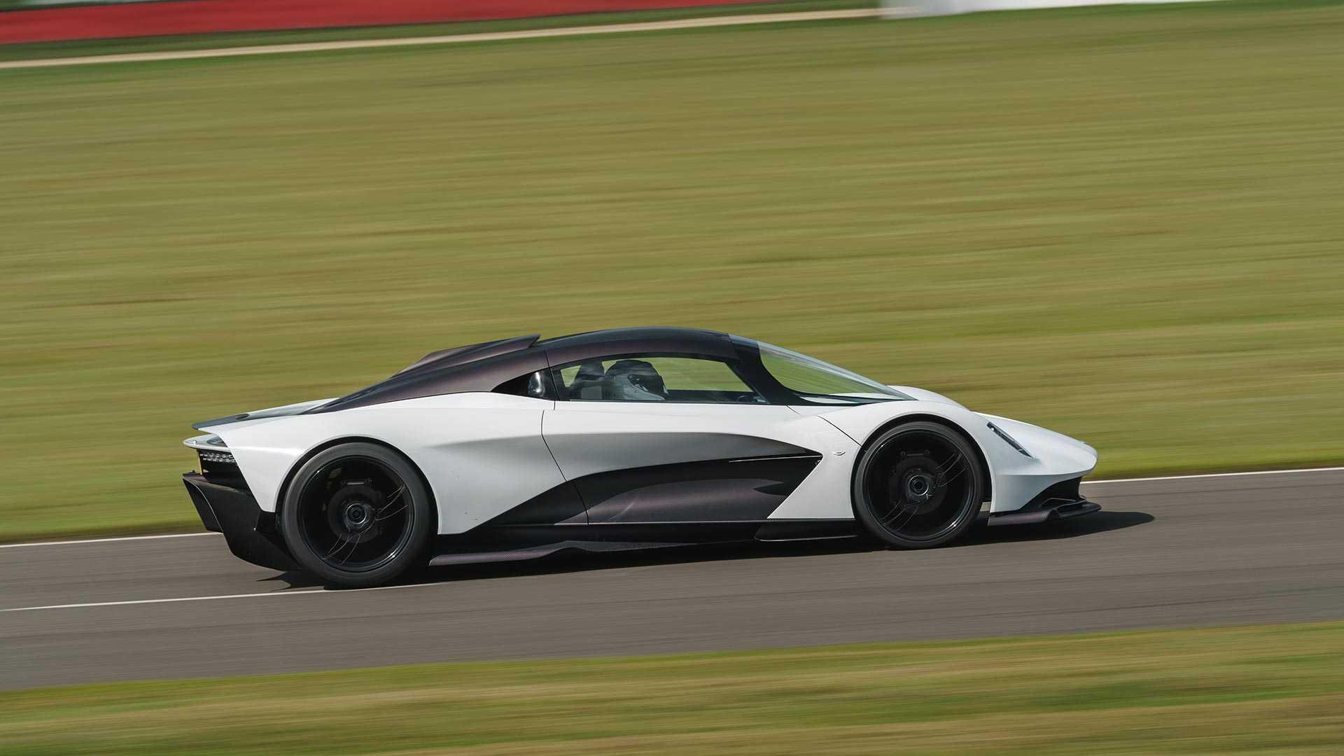 Aston Martin откажется от разработки мотора для суперкара Valhalla