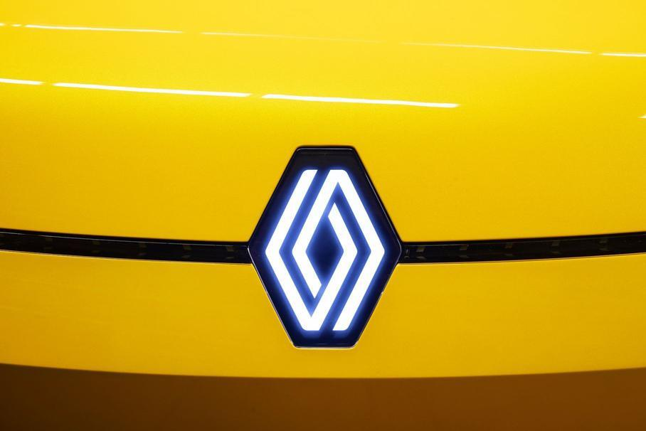 Обновлённый Volvo XC60, первая партия Aurus Senat и самый роскошный Jeep: главное за неделю