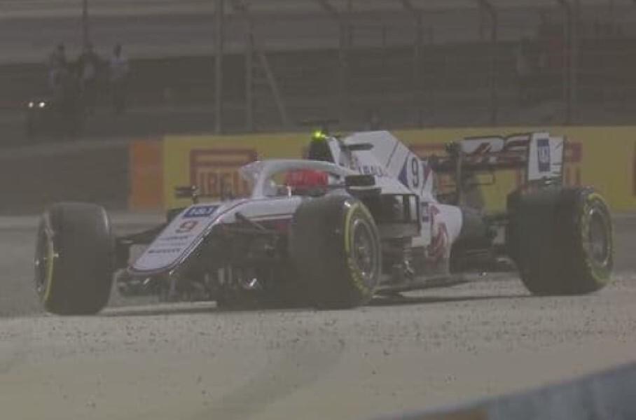 Российский пилот Формулы-1 попал в аварию в дебютной гонке