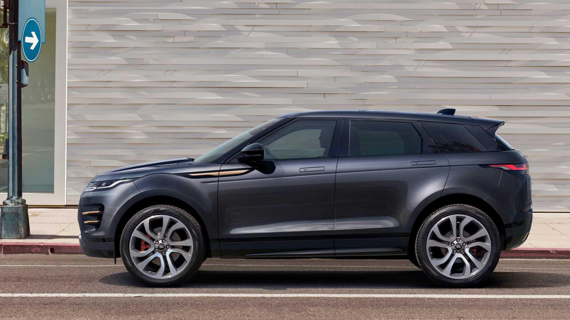 Водителя Range Rover оштрафовали на 2700 евро за езду по пляжу