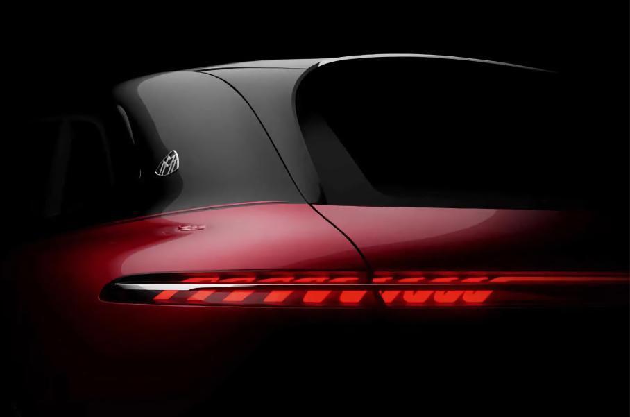 Обновлённый Porsche Macan, гибридный Mercedes-Benz S-Class и электрокроссовер Mercedes-Maybach: главное за неделю