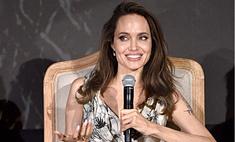 Анджелина Джоли призналась, что живет в 5 минутах от Брэда Питта и только сейчас приходит в норму после расставания
