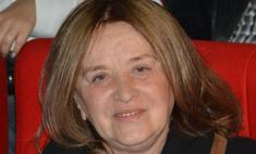 «Не разговаривает, но улыбается»: Маргарита Терехова без памяти прикована к постели уже более 10 лет