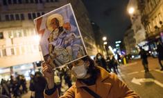 Польшу снова захлестнули митинги после вступления запрета на аборты