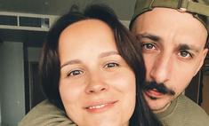 Лучшая «валентинка»: супруга рэпера L'One ждет третьего ребенка