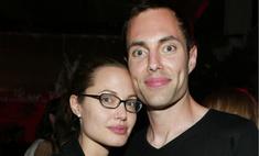 Брат Анджелины Джоли Джеймс Хейвен, избегающий появлений на публике, впервые за годы был замечен в один день с сестрой и поблизости от нее