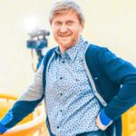 Юморист Андрей Рожков сменил профессию КВНщика на заливщика катка