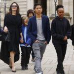 Один из сыновей Анджелины Джоли говорит на русском языке