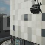 Российский хоккеист на «Порше» пробил стену паркинга в Москве