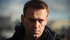 Несмотря на угрозу тюрьмы: Навальный объявил о возвращении в Россию