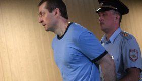 Больше не склонен к побегу: суд встал на сторону экс-полковника Захарченко