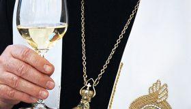 РПЦ дадут заработать: «антиотмывочные» поправки отменят для церковных компаний