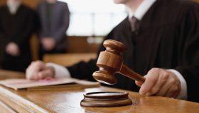 Следователь в Петербурге получил три года колонии за взятку-муляж