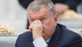 Сечин против журналистов: «Роснефть» подала в суд на три СМИ