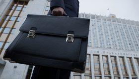 Принуждение к импортозамещению: для чиновников придумали новые штрафы