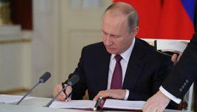 Под Бортникова или Бастрыкина? Путин снимает возрастные ограничения для своих назначенцев