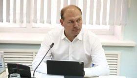 Суд против губернатора: слетавший в Ниццу ульяновский министр вернул должность