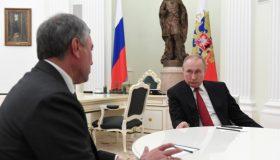 Итоги недели: пожизненный срок Путина, бешеный принтер Володина и народное признание Навального
