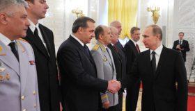 Итоги недели: старая гвардия Путина, форс-мажорная коррупция Мишустина и опасный лохотрон Пескова