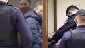 «Наш дружелюбный концлагерь»: Навальный написал первый пост из колонии