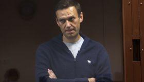 ЕСПЧ потребовал немедленно освободить Навального. Россия заранее отказалась