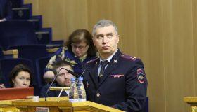 Глава МВД Петербурга увидел движение к порядку в увеличении средней суммы взятки
