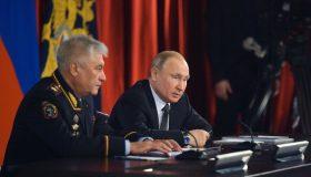 Итоги дня: Путину не понравился закон, Колокольцеву не вернули генерала, бывшему замглавы ЦБ вменили миллиарды