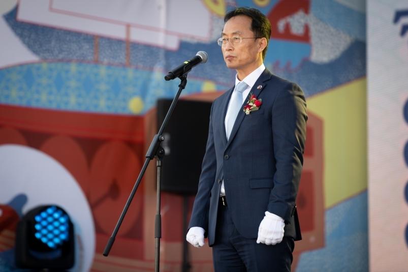 Генконсул Республики Корея во Владивостоке: 'Тутовый сад превратился в море'