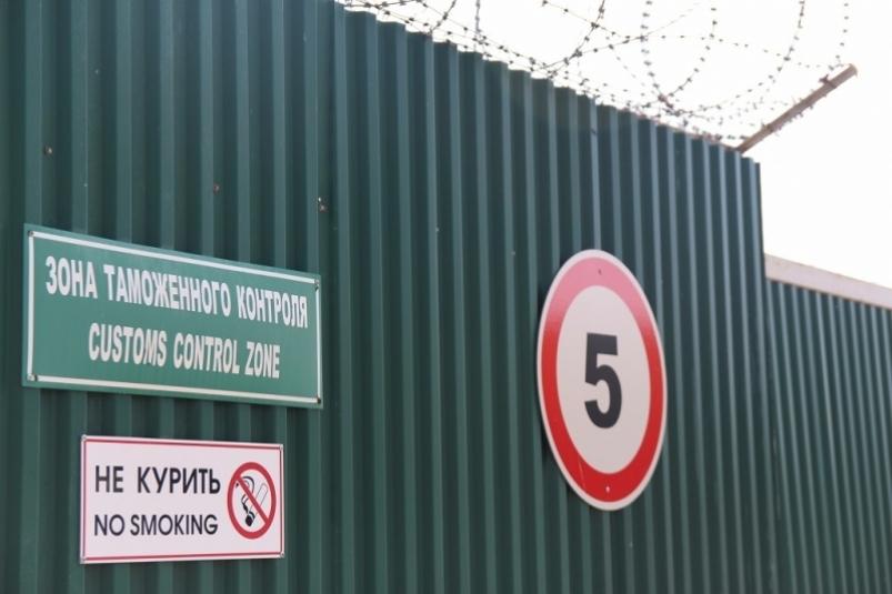 Режим военного времени и закрытая таможня: на границе с Приморьем в КНР ввели особые меры